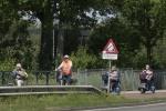 17 mei 02 over de brug (2).jpg